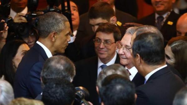 obama-castro-cumbre-de-las-americas_995x560